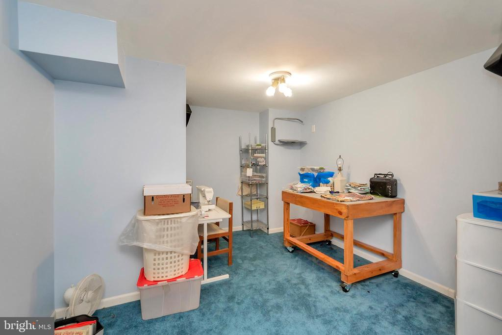 Sewing or hobby Room - 7329 CLOVERHILL RD, SPOTSYLVANIA