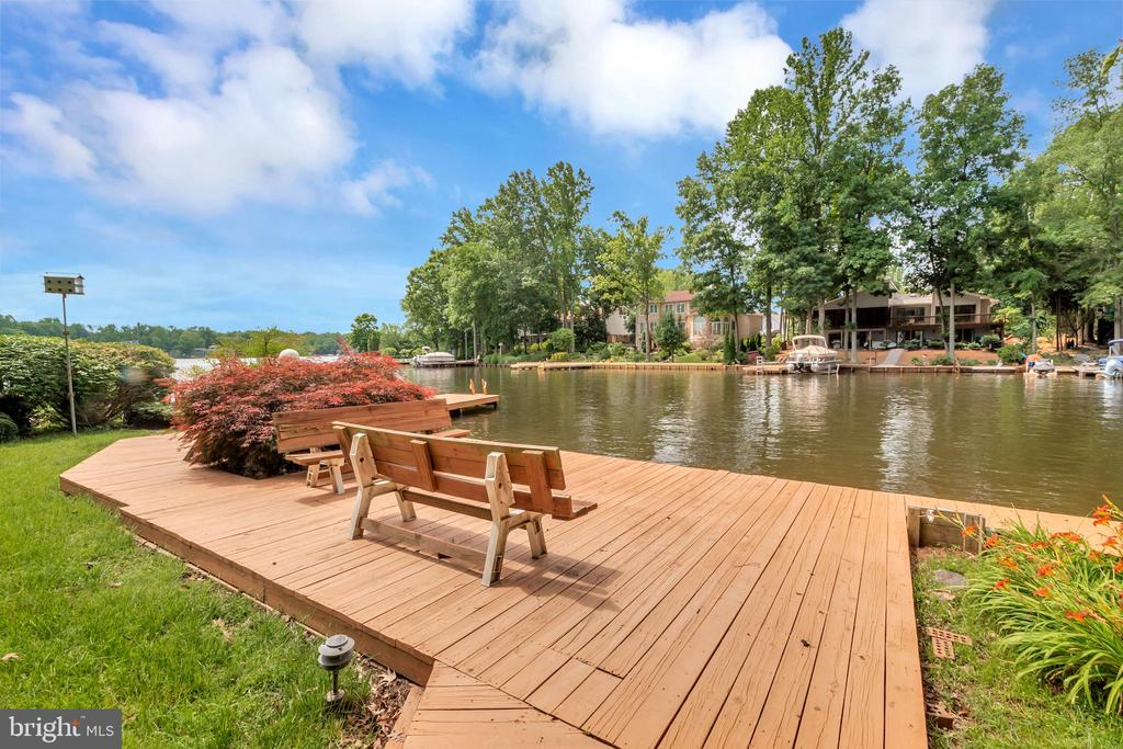 Easy lake access to swim, kayak, fish, float, rest - 516 CORNWALLIS AVE, LOCUST GROVE