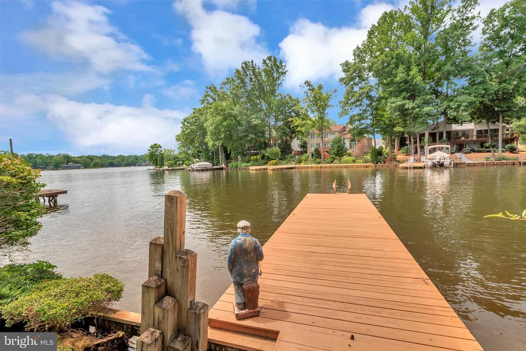 lakeside dock view over the main lake - 516 CORNWALLIS AVE, LOCUST GROVE
