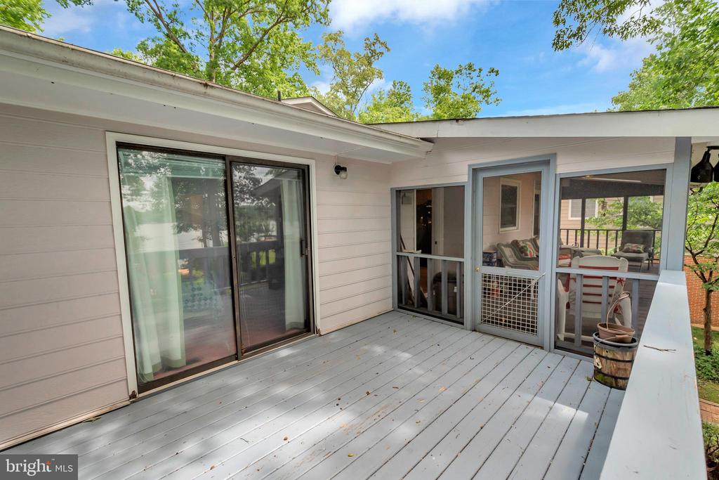 Master opens onto deck off porch - 516 CORNWALLIS AVE, LOCUST GROVE