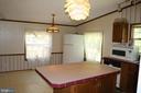 Kitchen and eating area - 6221 HORTON LN, SPOTSYLVANIA