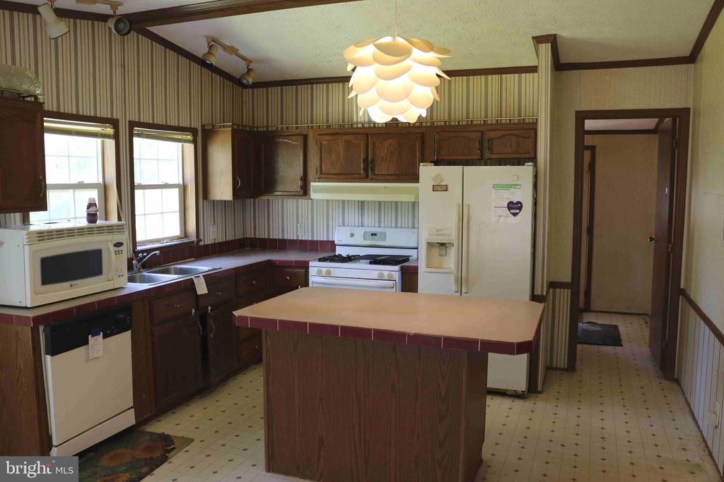 Kitchen - 6221 HORTON LN, SPOTSYLVANIA