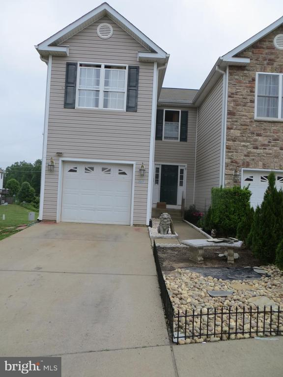 End Unit 3BR,3.5 Bath - 35117 SABA PL, LOCUST GROVE