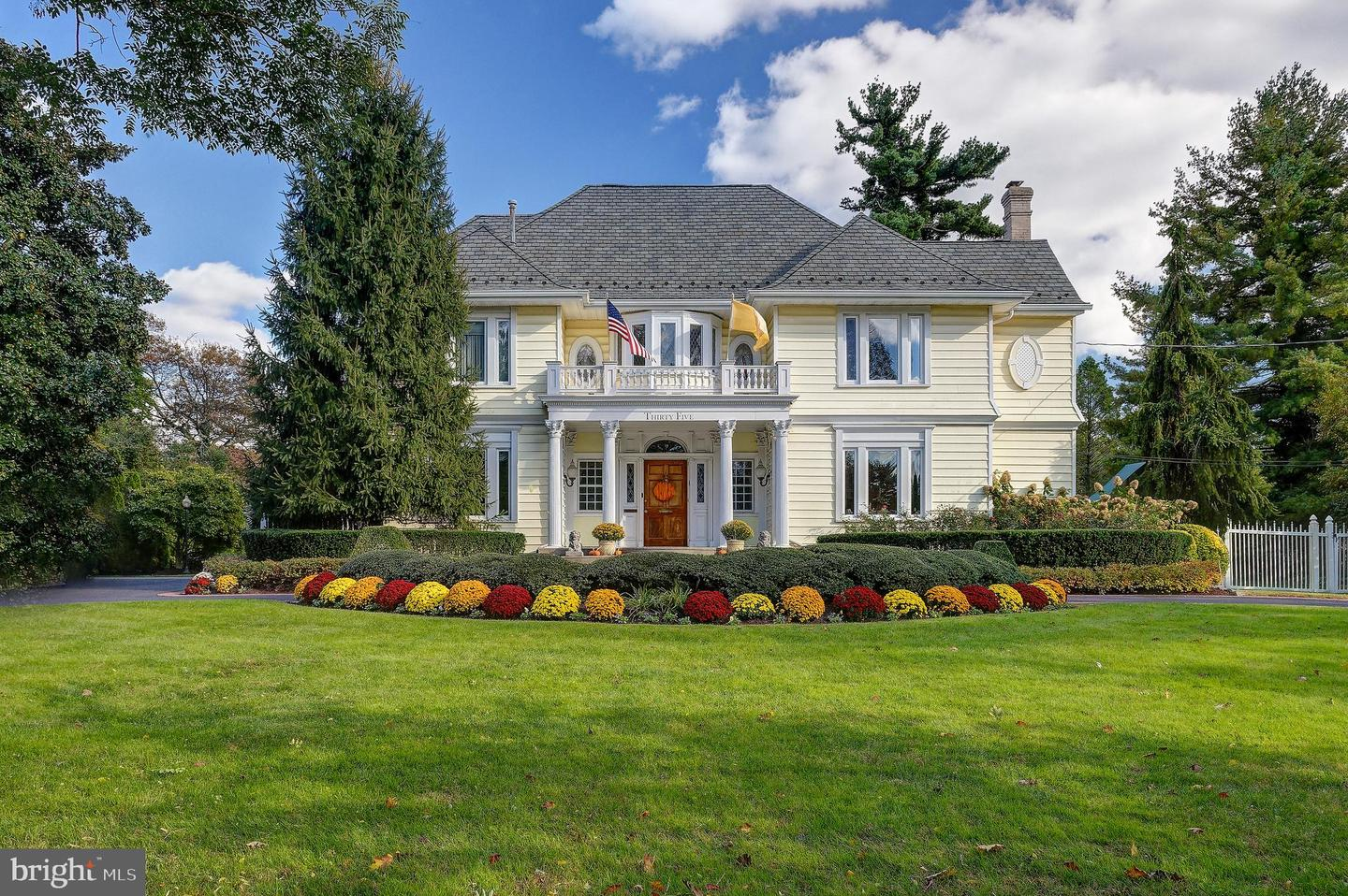 Single Family Homes per Vendita alle ore Haddonfield, New Jersey 08033 Stati Uniti