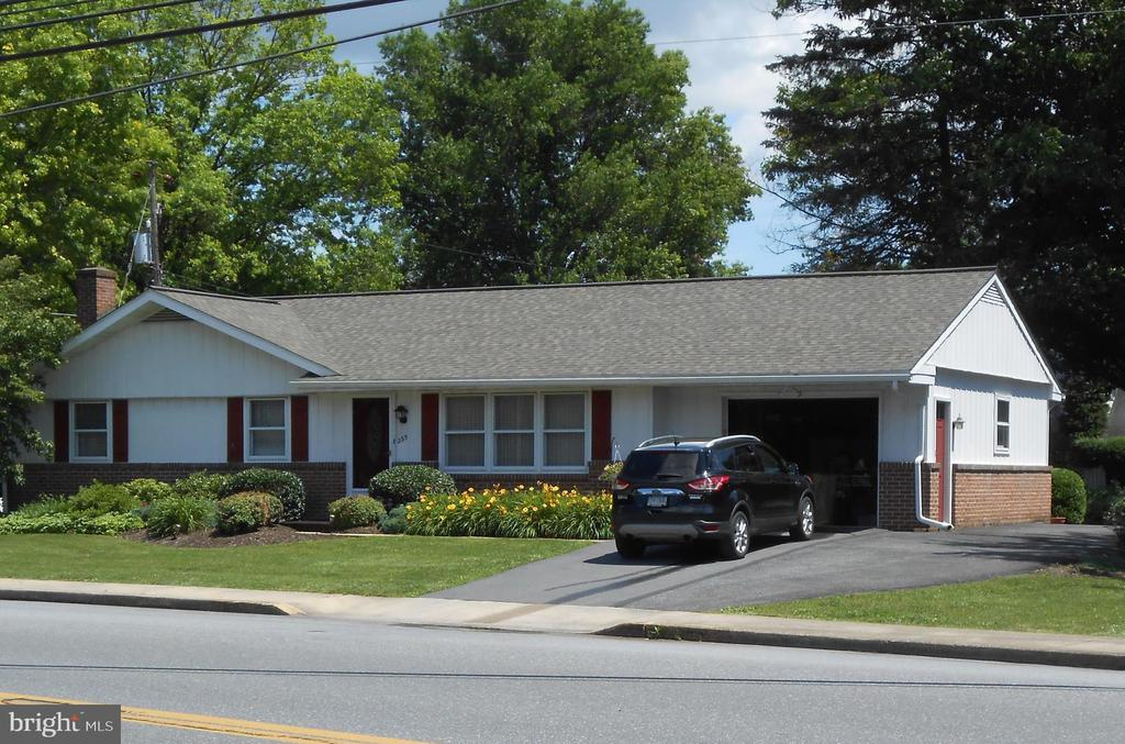 235 W COLEBROOK STREET, Manheim in LANCASTER County, PA 17545 Home for Sale