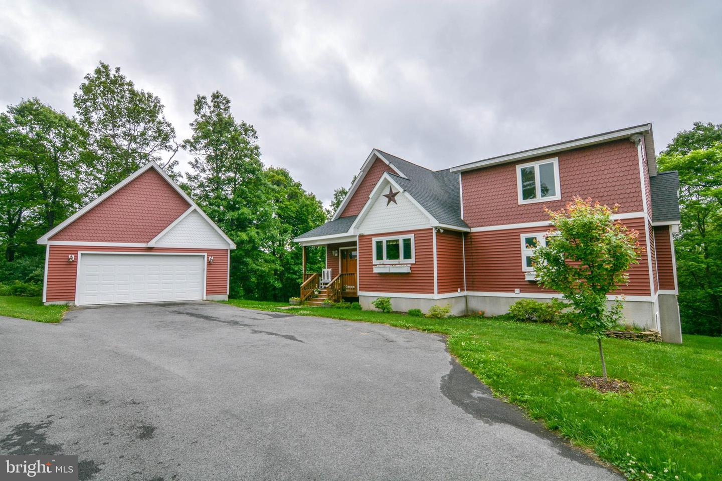 Single Family for Sale at 161 Edens Ridge Rd Oakland, Maryland 21550 United States