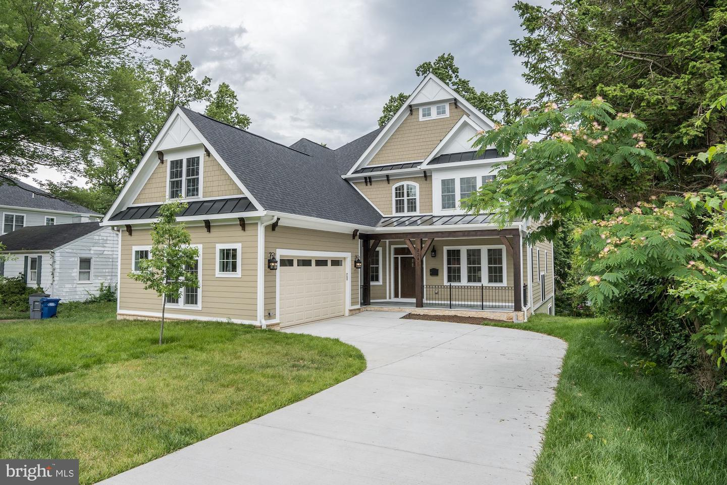 Single Family for Sale at 2241 Beacon Ln Falls Church, Virginia 22043 United States