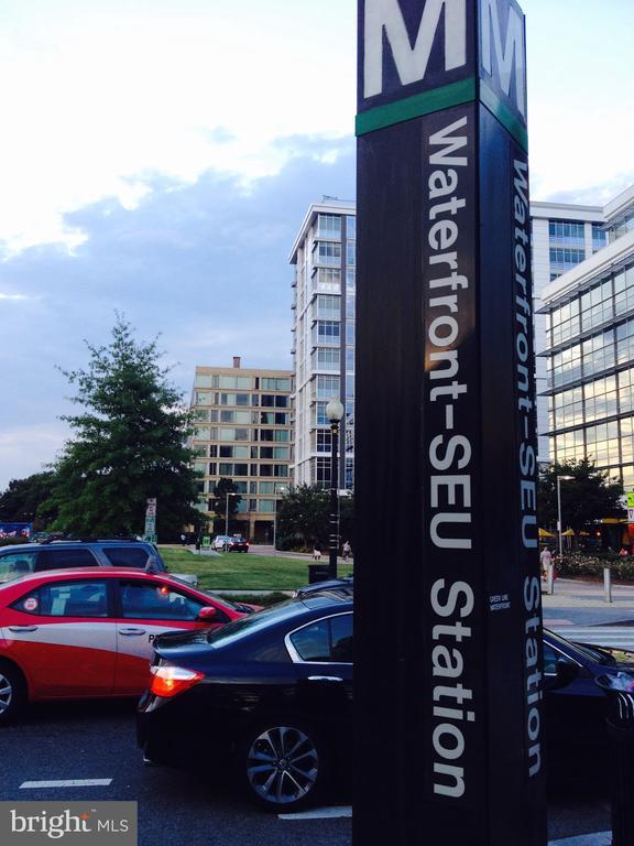 - 276 M ST SW #276, WASHINGTON