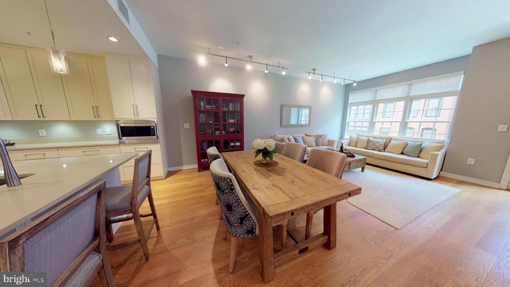 Hardwood Floors Throughout - 1610 N QUEEN ST #243, ARLINGTON