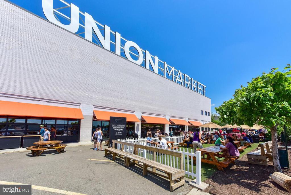 Short walk to Union Market - 911 2ND ST NE #503, WASHINGTON