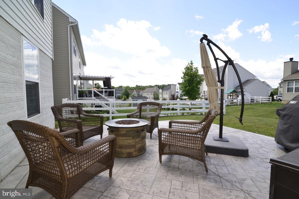 Outside Patio Area - 36071 WELLAND DR, ROUND HILL