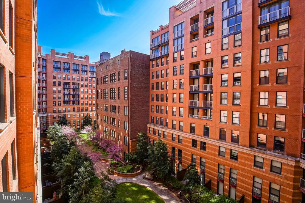 Living Area Overlooks Large Internal Courtyard - 616 E ST NW #655, WASHINGTON