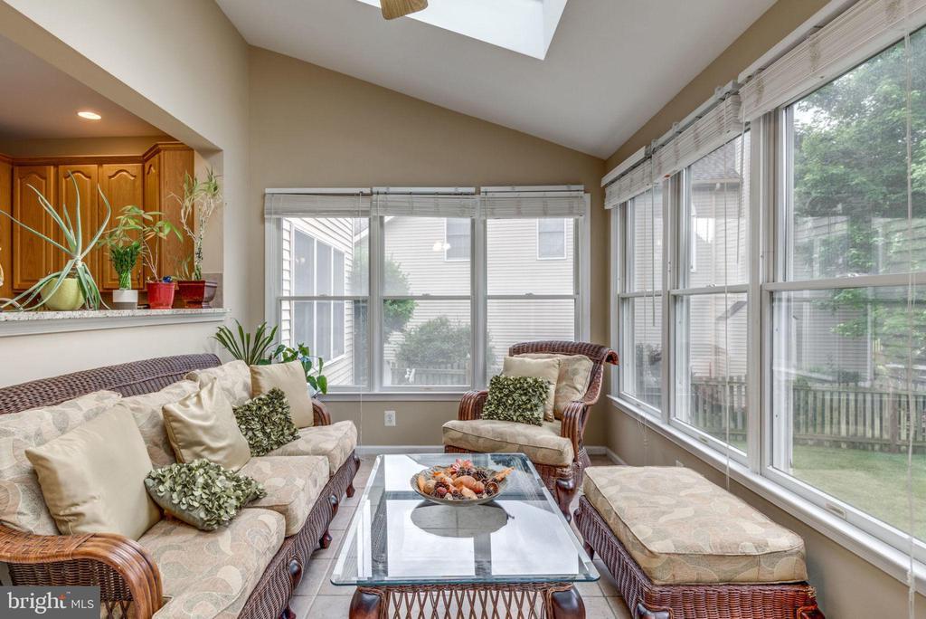 Sun Room - 43755 CRANE CT, ASHBURN