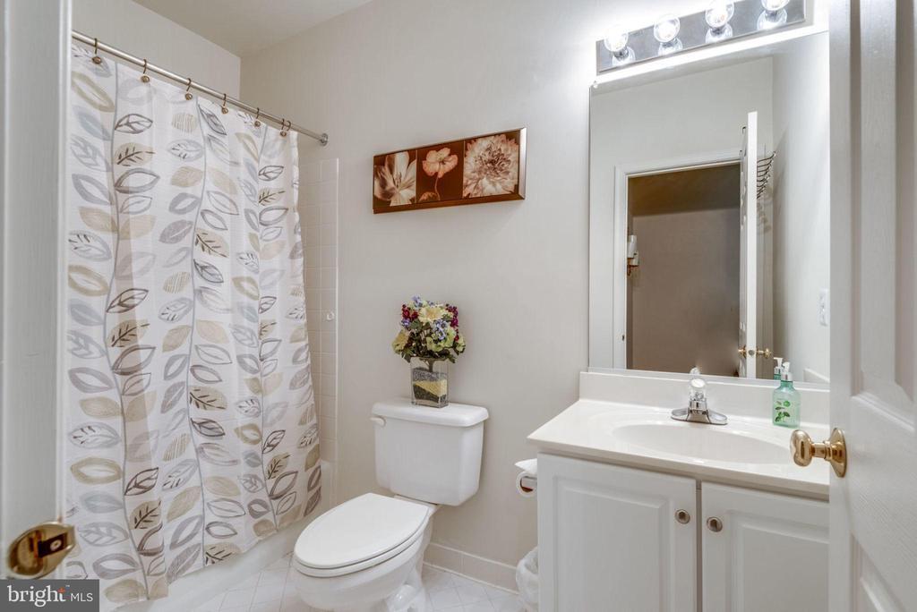 Basement Full Bath - 43755 CRANE CT, ASHBURN