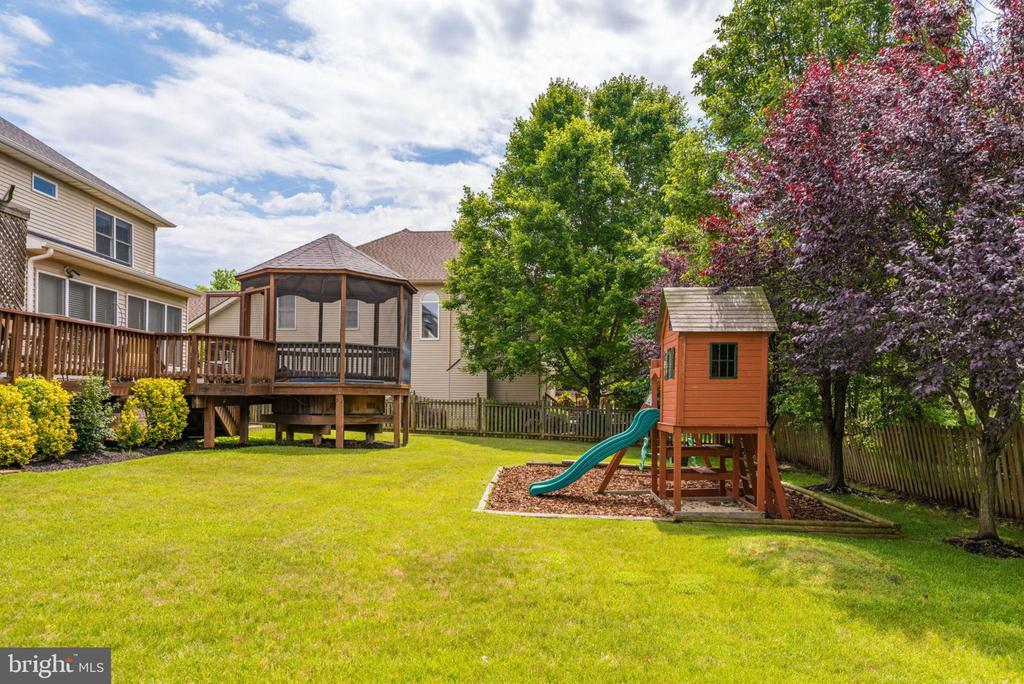 Playground - 43755 CRANE CT, ASHBURN