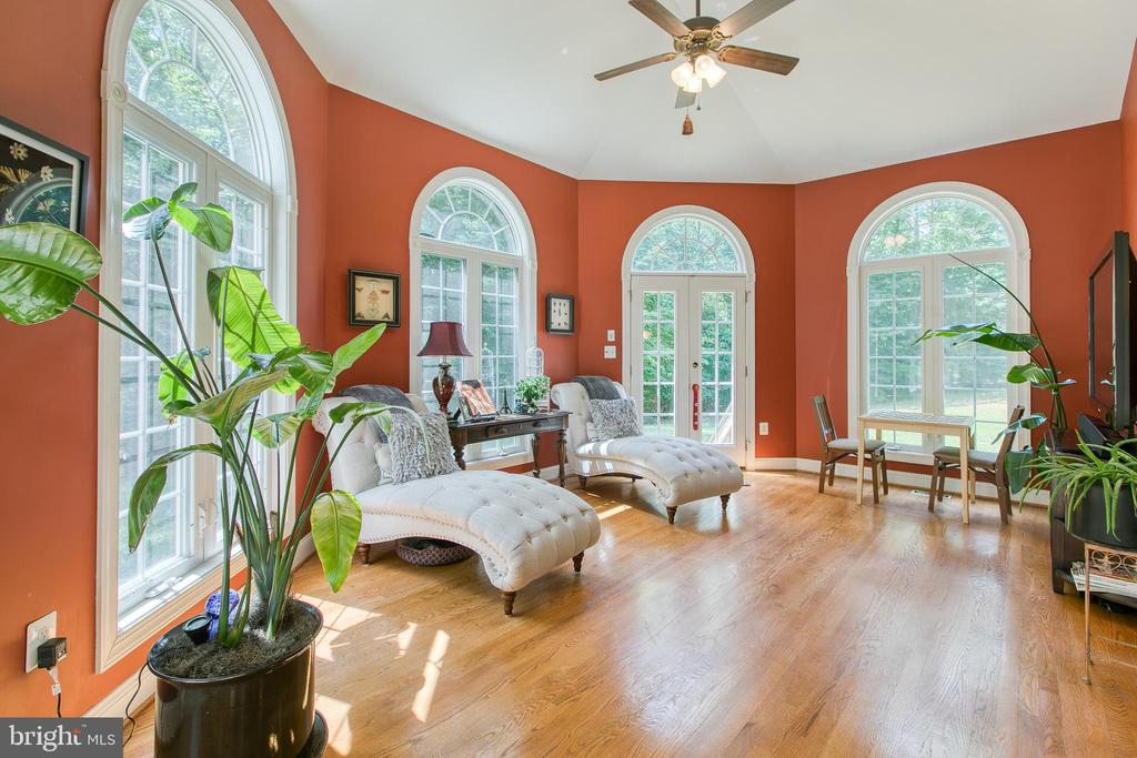 Sun room with so relaxing - 36 PELHAM WAY, STAFFORD