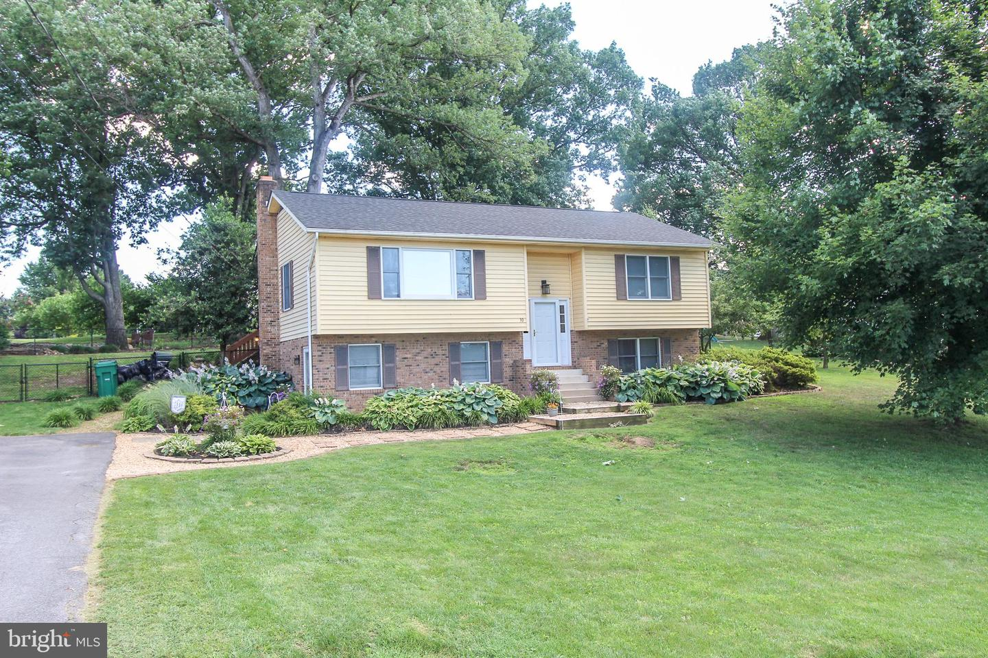 Single Family for Sale at 30 Canaan St Luray, Virginia 22835 United States