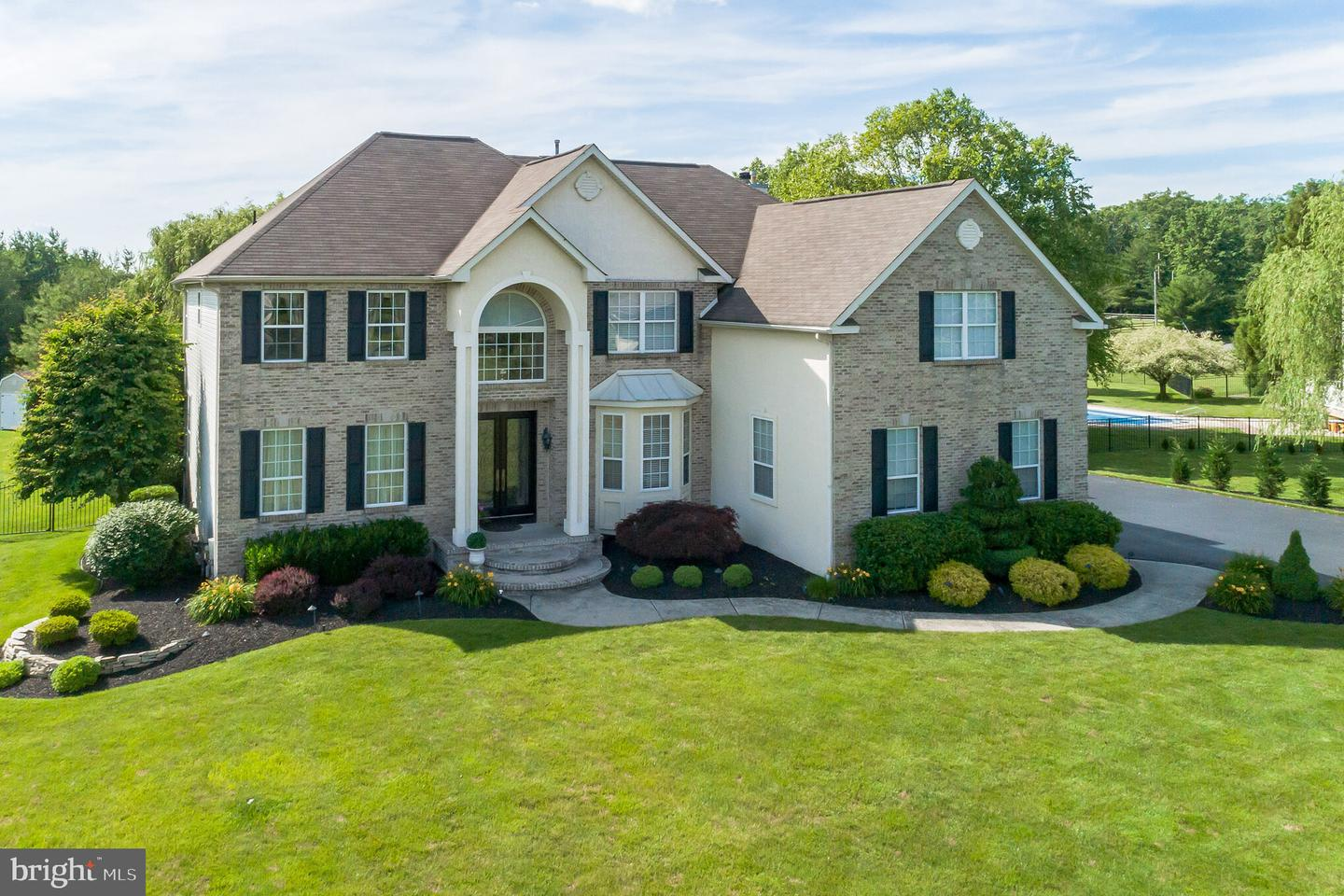 Photo of home for sale at 6 Chestnut Court, Mullica Hill NJ