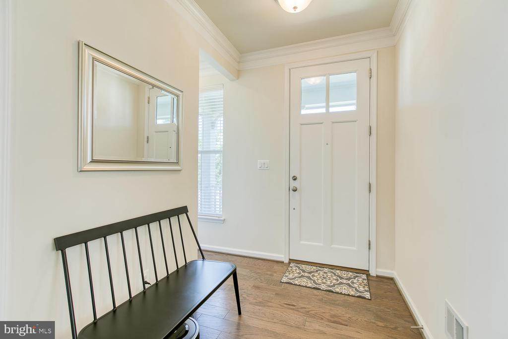Floor to ceiling front door - 301 PEAR BLOSSOM RD, STAFFORD