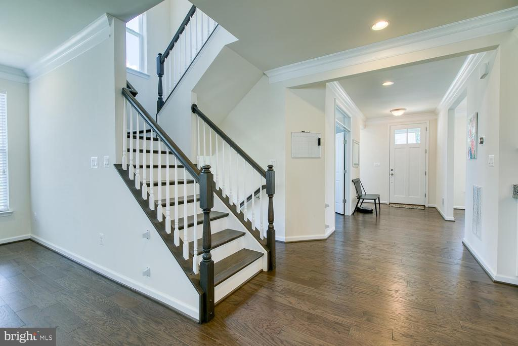 Beautiful hardwood floors on 1st floor & staircase - 301 PEAR BLOSSOM RD, STAFFORD