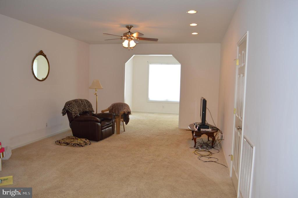 Family Room looking into sunroom/sitting room - 7372 COURTHOUSE RD, SPOTSYLVANIA