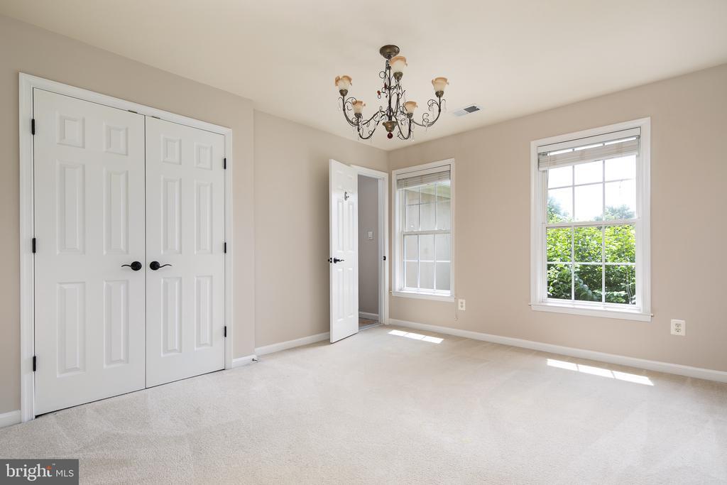 Bedroom 2 with Adjoining Full Bath 2 - 21109 CARTHAGENA CT, ASHBURN