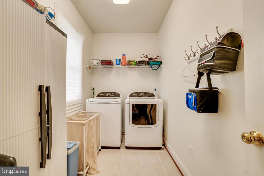 Laundry Room on Main Level - 12274 TIDESWELL MILL CT, WOODBRIDGE