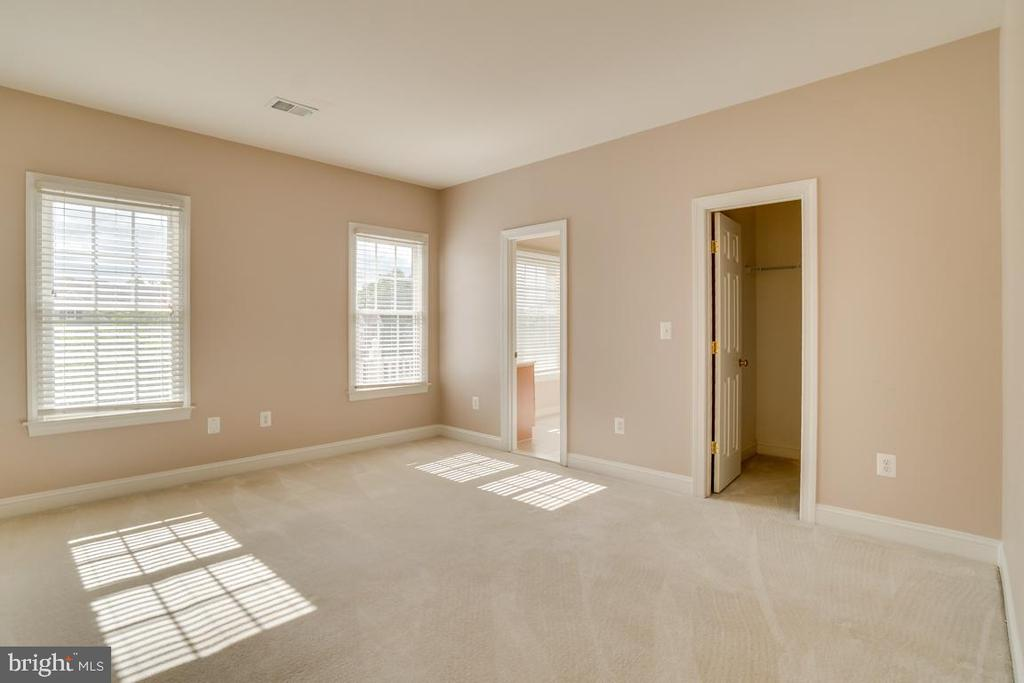 Large Bedroom - 12274 TIDESWELL MILL CT, WOODBRIDGE