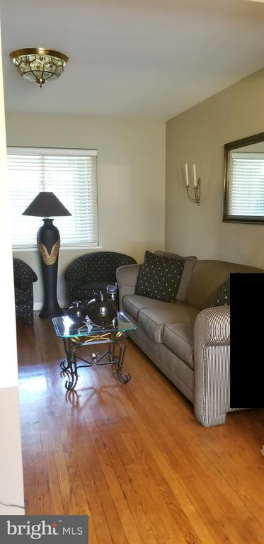 Living Room - 3325 AMES ST NE, WASHINGTON