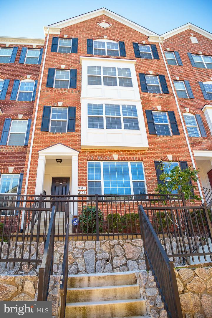 Single Family for Sale at 2311 Kew Gardens Dr #166 Woodbridge, Virginia 22191 United States