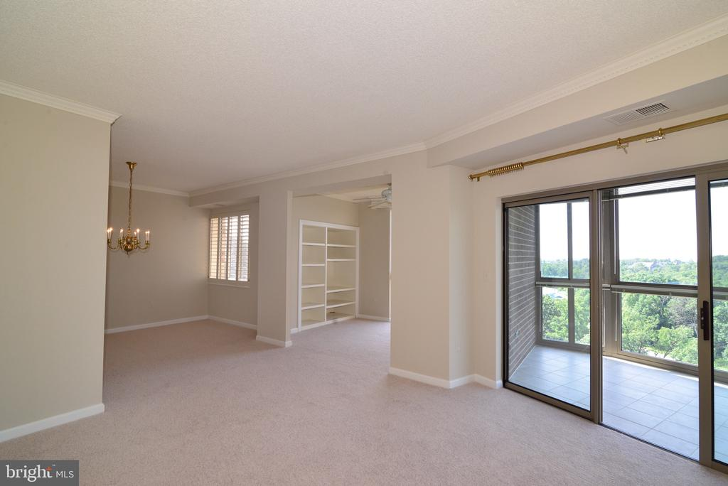 Living room view - 19375 CYPRESS RIDGE TER #803, LEESBURG