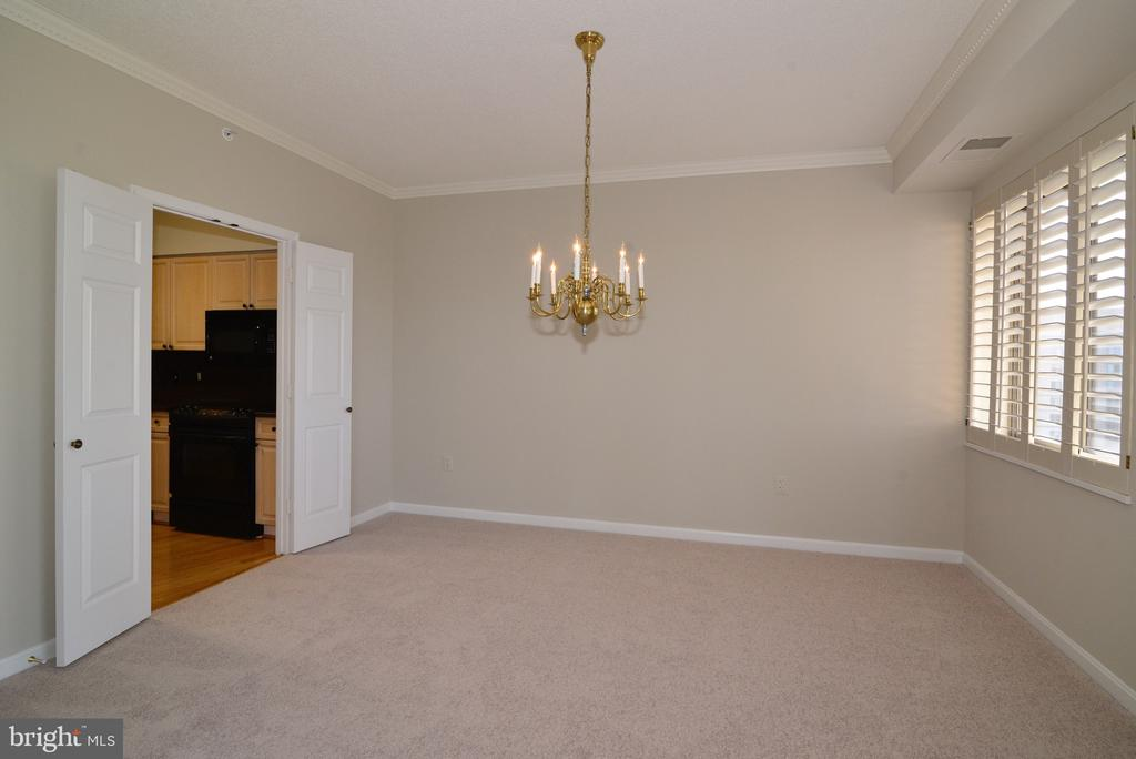 Formal dining room - 19375 CYPRESS RIDGE TER #803, LEESBURG