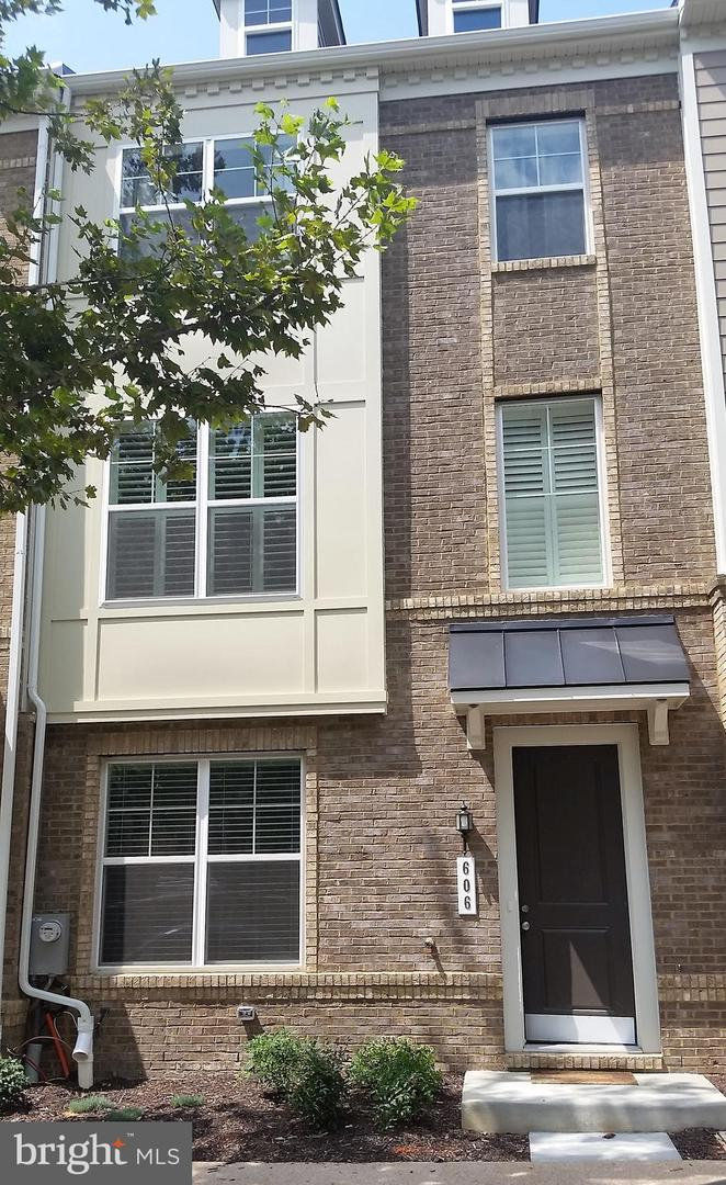 other residential homes for Rent at 606 Parkside Pl NE Washington, District Of Columbia 20019 United States