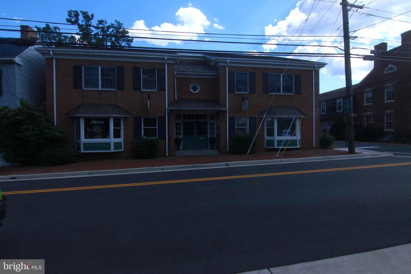 other residential homes for Rent at 15 Loudoun St SW #a Leesburg, Virginia 20175 United States