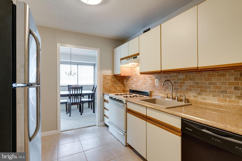 Kitchen - 2500 N VAN DORN ST #422, ALEXANDRIA