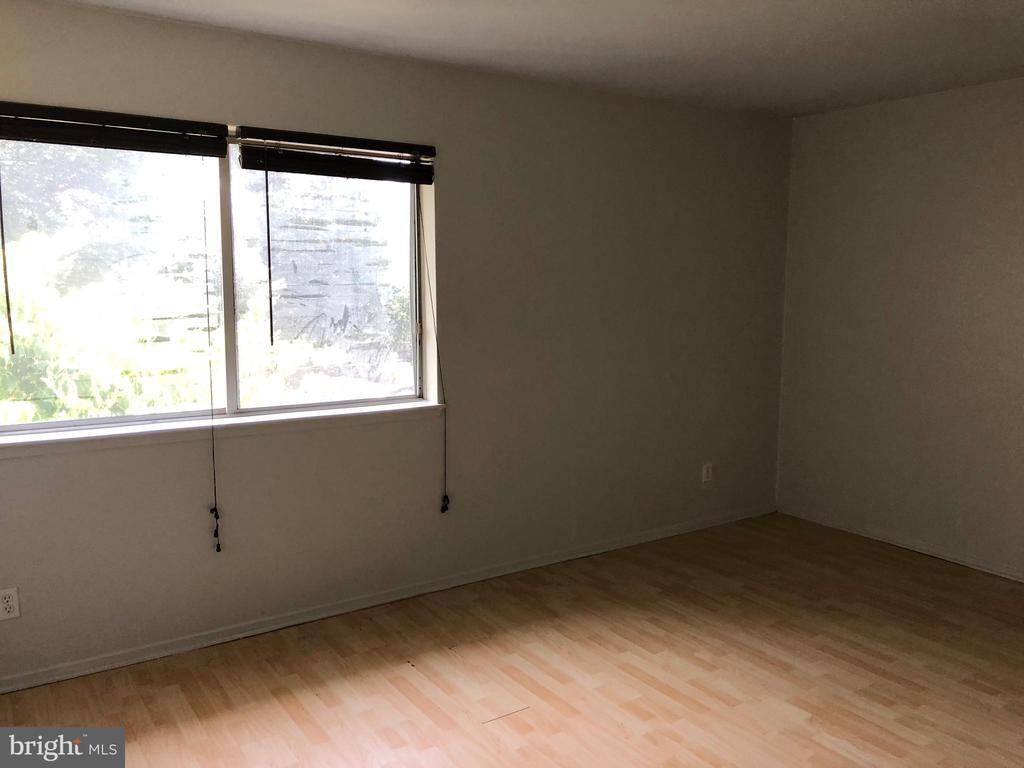Master Bedroom - 18000 CHALET DR #200, GERMANTOWN