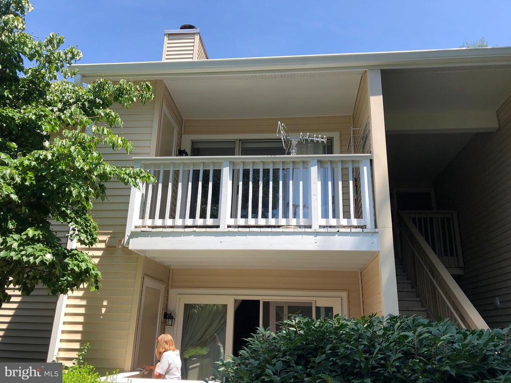 Front View - 18000 CHALET DR #200, GERMANTOWN