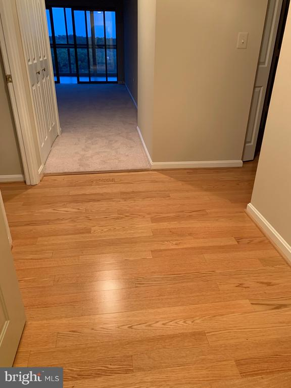 Wood foyer as your enter! - 19375 CYPRESS RIDGE TER #803, LEESBURG