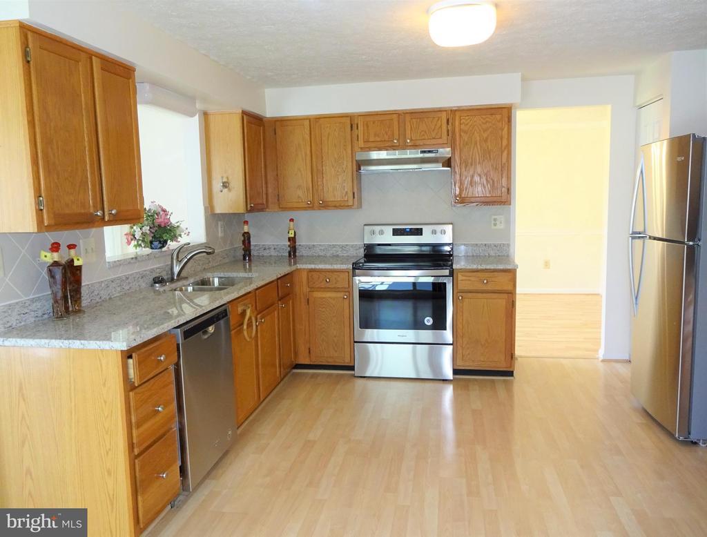 Kitchen w New Stainless Appliances - 8232 EMORY GROVE RD, GAITHERSBURG