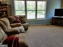 Light and Bright Family Room - 19187 SWAN CT, PURCELLVILLE