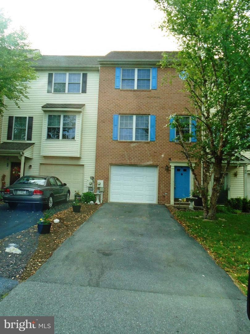 Single Family for Sale at 93 Effie Ln Martinsburg, West Virginia 25404 United States