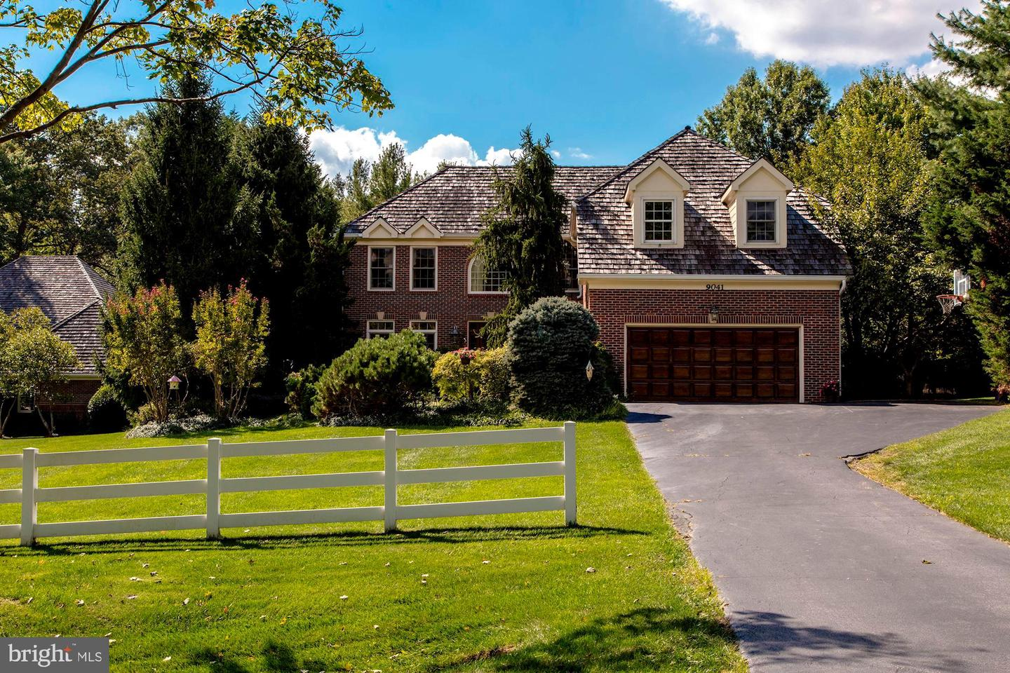Single Family for Sale at 9041 Holly Leaf Ln Bethesda, Maryland 20817 United States