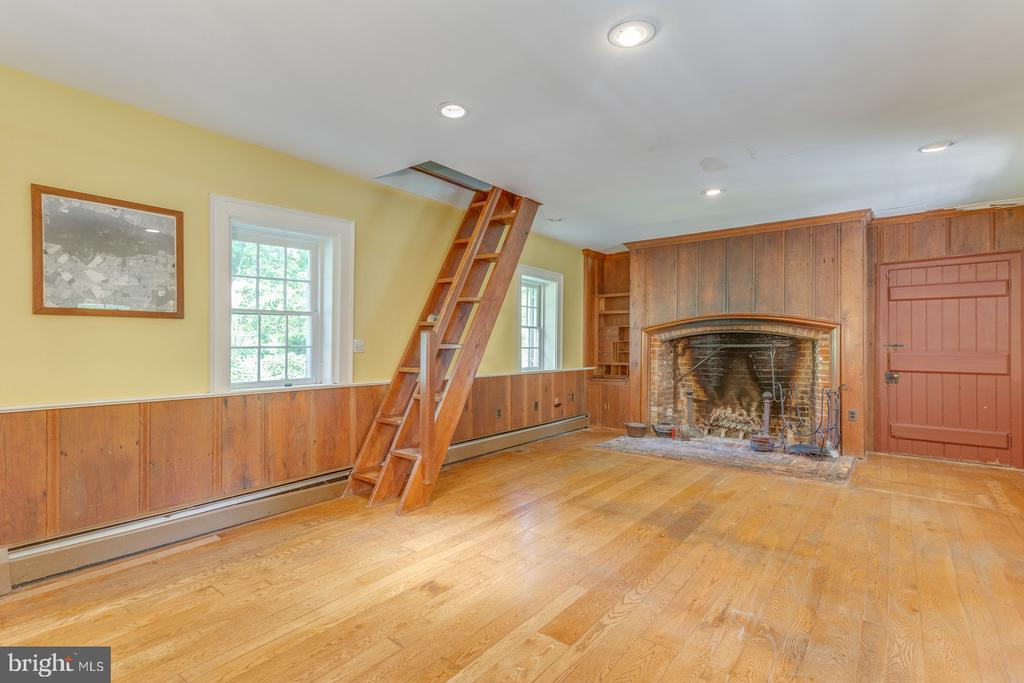 Family Room - 16001 OLD WATERFORD RD, PAEONIAN SPRINGS