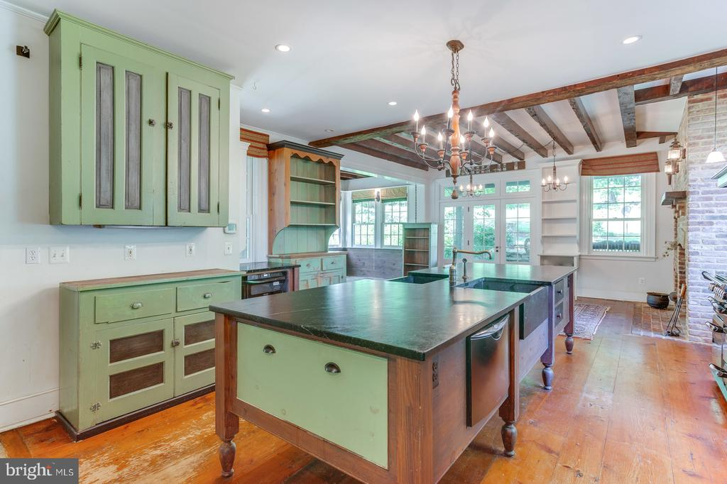Rustic Kitchen - 16001 OLD WATERFORD RD, PAEONIAN SPRINGS