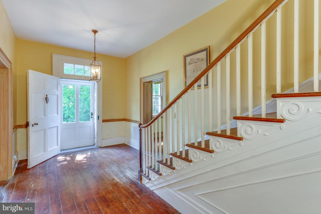 Main Entrance - 16001 OLD WATERFORD RD, PAEONIAN SPRINGS