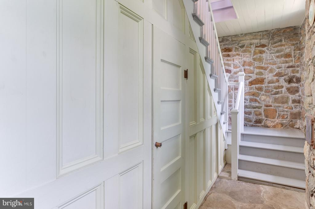 Private Entrace - 16001 OLD WATERFORD RD, PAEONIAN SPRINGS