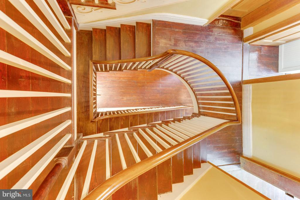 Original 3 Level Staircase - 16001 OLD WATERFORD RD, PAEONIAN SPRINGS