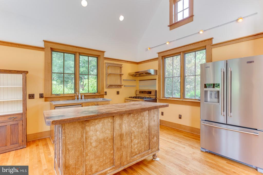 Full Kitchen - 16001 OLD WATERFORD RD, PAEONIAN SPRINGS