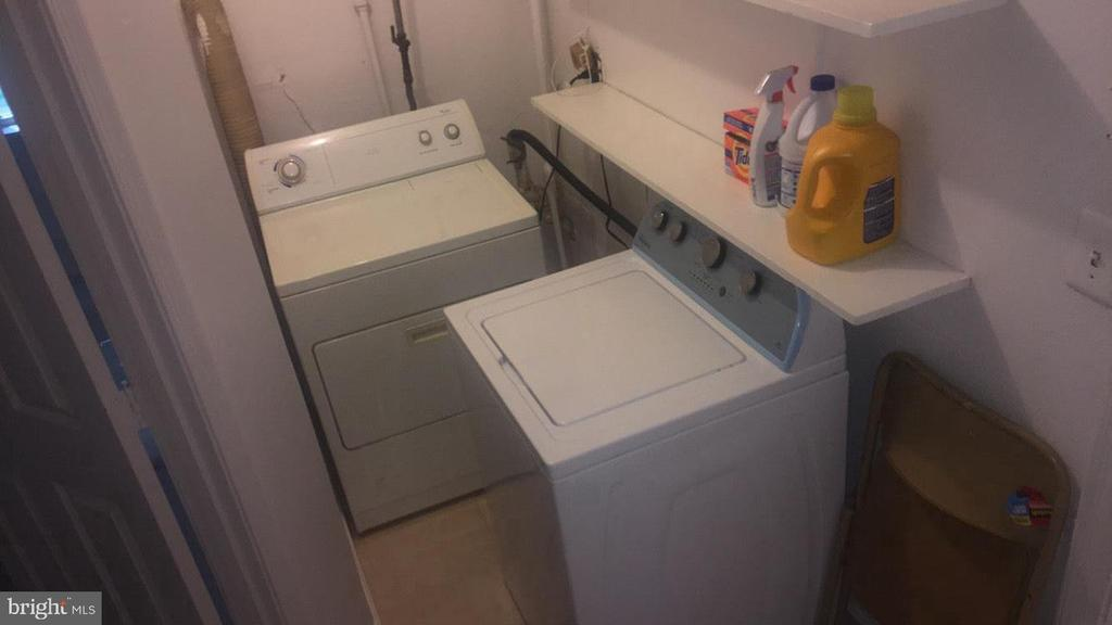Laundry - 2409 GREEN VALLEY DR, SUITLAND