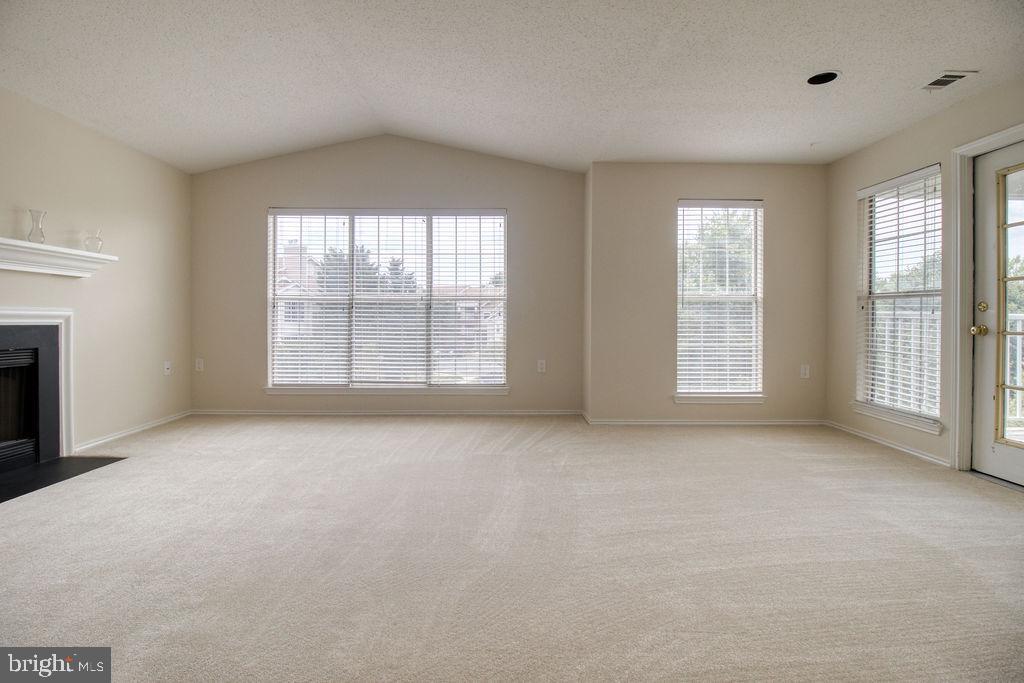 Spacious And Bright Living Room - 21024 TIMBER RIDGE TER #303, ASHBURN